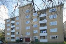 Flat to rent in Weir Road, SW12