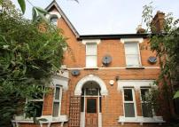 2 bedroom Flat in Lewin Road, Streatham