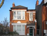 2 bed Flat in Uffington Road...