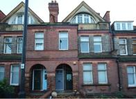 Flat to rent in Amesbury Avenue...