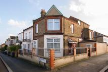 5 bedroom house in Thurlestone Road, London