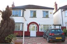 4 bed house in Downsview Road...