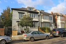 2 bedroom Flat in Hilldown Road, Streatham