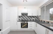 3 bed Flat to rent in Leigham Court Road...