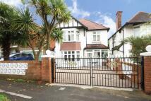 4 bedroom property in Pollards Hill East...