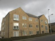 Apartment to rent in SANDMOOR GARTH, IDLE...