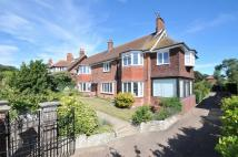6 bed Detached home in Cliff Road...