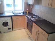 Ground Flat to rent in Streatham Road, Mitcham...