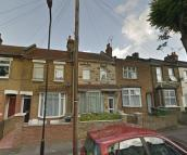 1 bedroom Flat to rent in Woodlands Road, London...
