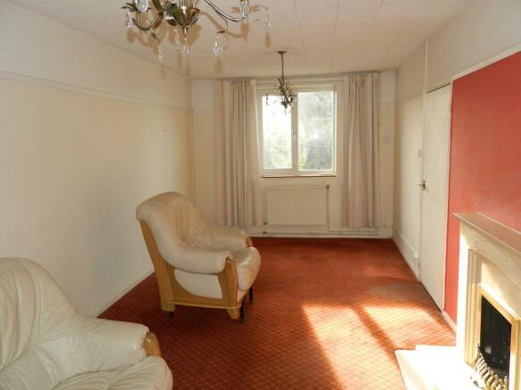 21' dual aspect lounge