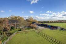 5 bed Detached home in Bousley Rise, Ottershaw...