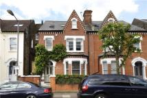 5 bedroom house in Hendrick Avenue, London...