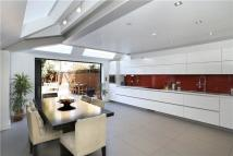 4 bedroom Terraced home for sale in Manchuria Road, London...