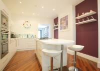 5 bedroom Terraced house in Endlesham Road, Clapham...