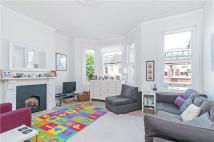 Kelmscott Road Flat to rent