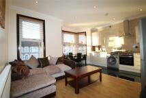3 bedroom Flat to rent in Elgin Road, IG3