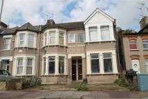 2 bed Flat to rent in Ilford IG1