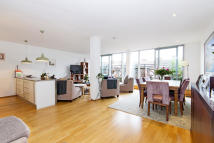Duplex for sale in WATERLOO ROAD, London...