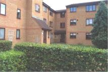 Flat to rent in Walpole Road, Burnham
