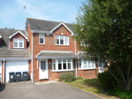 4 bedroom semi detached house to rent in FOXGLOVE CLOSE...