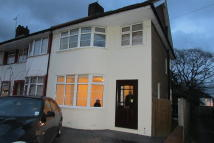 4 bed semi detached house in Hanover Gardens...