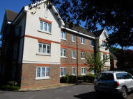 Apartment to rent in Cheam Road, Sutton...