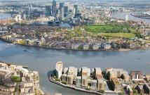 3 bed new Flat for sale in New Capital Quay...