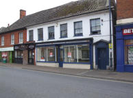 property to rent in 13 High Street,