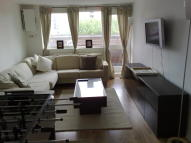 Flat in RHODESWELL ROAD, London...
