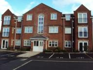 2 bedroom Flat to rent in Woodland Court