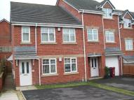 2 bedroom Flat to rent in Maple Mews