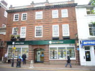 property to rent in Bank Chambers,