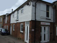 property to rent in First Floor Offices, Rear Of 75 High Street, Bull Yard, Ashford, Kent TN24 8SN