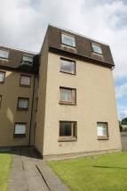 Flat to rent in FORTINGALL AVENUE...