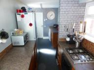 2 bed End of Terrace house to rent in Ellesmere Avenue, Hull...