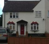 3 bed semi detached home to rent in Hall Avenue, Aveley, RM15