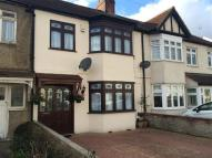 3 bedroom house in Purbeck Road, Hornchurch
