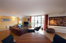 2 bed Flat in Clink Street, Borough