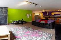 Apartment to rent in Queen Street, Sheffield...