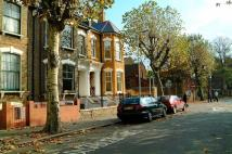 1 bed Flat to rent in Lower Clapton Road...