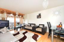 Flat to rent in Cordwainer House...