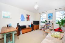 Flat for sale in Cassland Road...