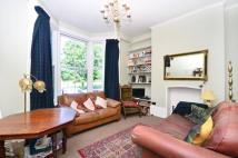 Flat to rent in Queensdown Road...