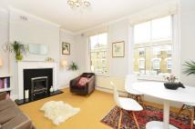 Flat to rent in Chatsworth Road, Clapton...