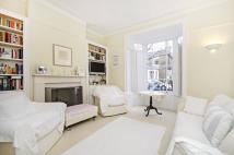 4 bed semi detached house in Lavender Grove...