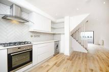 3 bedroom house to rent in Royal Oak Road, Dalston...