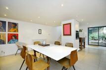 3 bed Terraced house for sale in London Fields East Side...