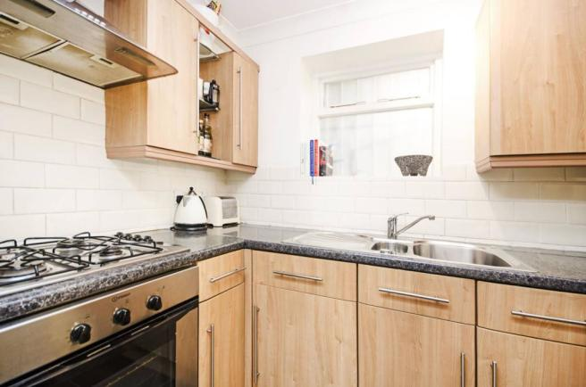 bedroom flat to rent in richmond road london fields e8 e8