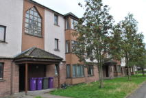 2 bedroom Flat in Williamson Court( Largo...