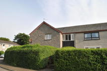 2 bed Ground Flat to rent in Newton Crescent...